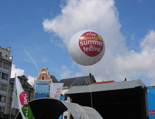 בלון פרסומי לעסק. התמונה מאתר www.balloonsevents.be